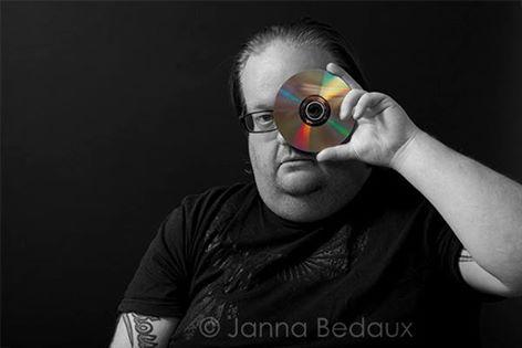 Op de foto voor Janna Bedaux - Marcel met cd